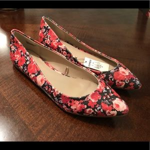EXPRESS Floral flat shoes